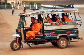 Package tours from Luang Phrabang to Vientiane