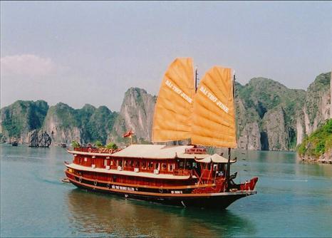 Bai Tho Cruise 2 days 1 night